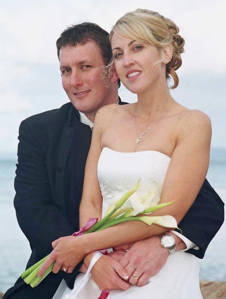 Newly-weds in portrait study,Sorrento Wedding