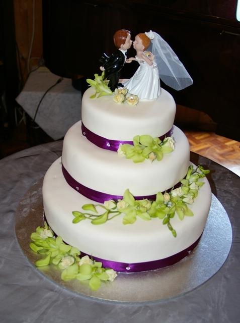 Wedding Cake Photography : Darnum Music Village for Dani & Matt.