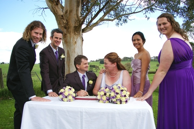 Rural Wedding Photo Moments Tom & Belinda,Poowong Nth.